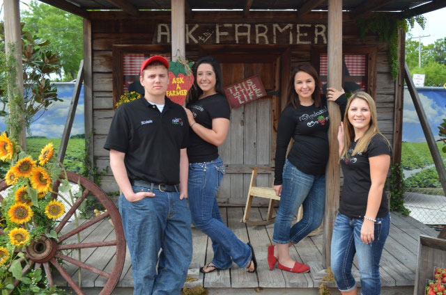 Strawberry Ambassadors David, Haley, Kelsey and Megan at the Florida State Fair