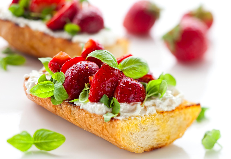 Strawberry and Goat Cheese Bruschetta