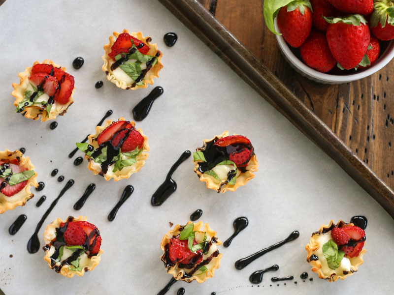 Crispy Strawberry and Brie Bites