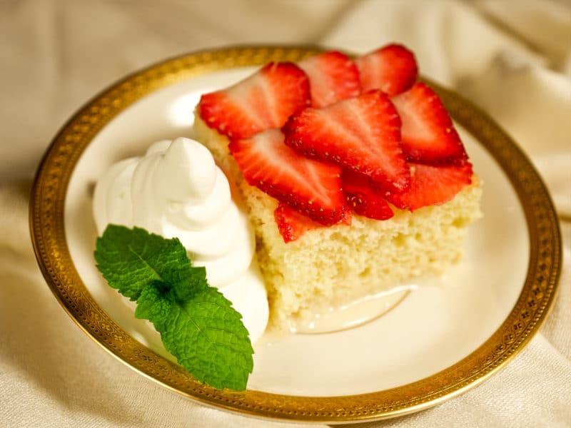 strawberry tres leches cake tres leches cake florida strawberry 7777